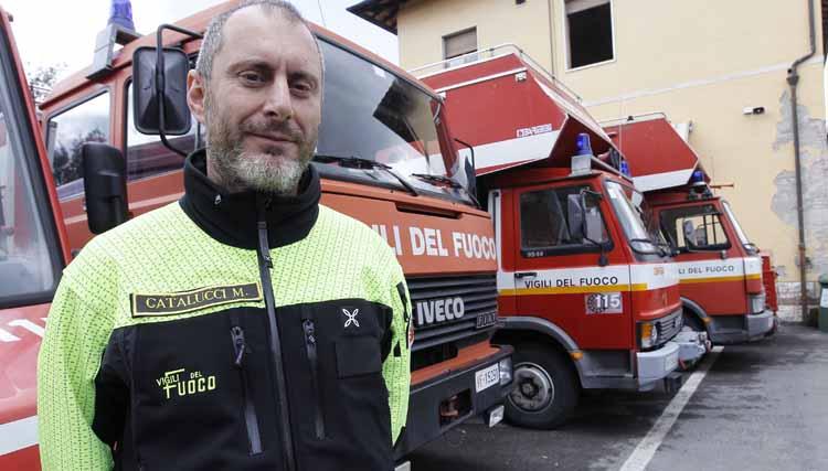 nuova divisa del gruppo Saf dei Vigili del fuoco di Siena