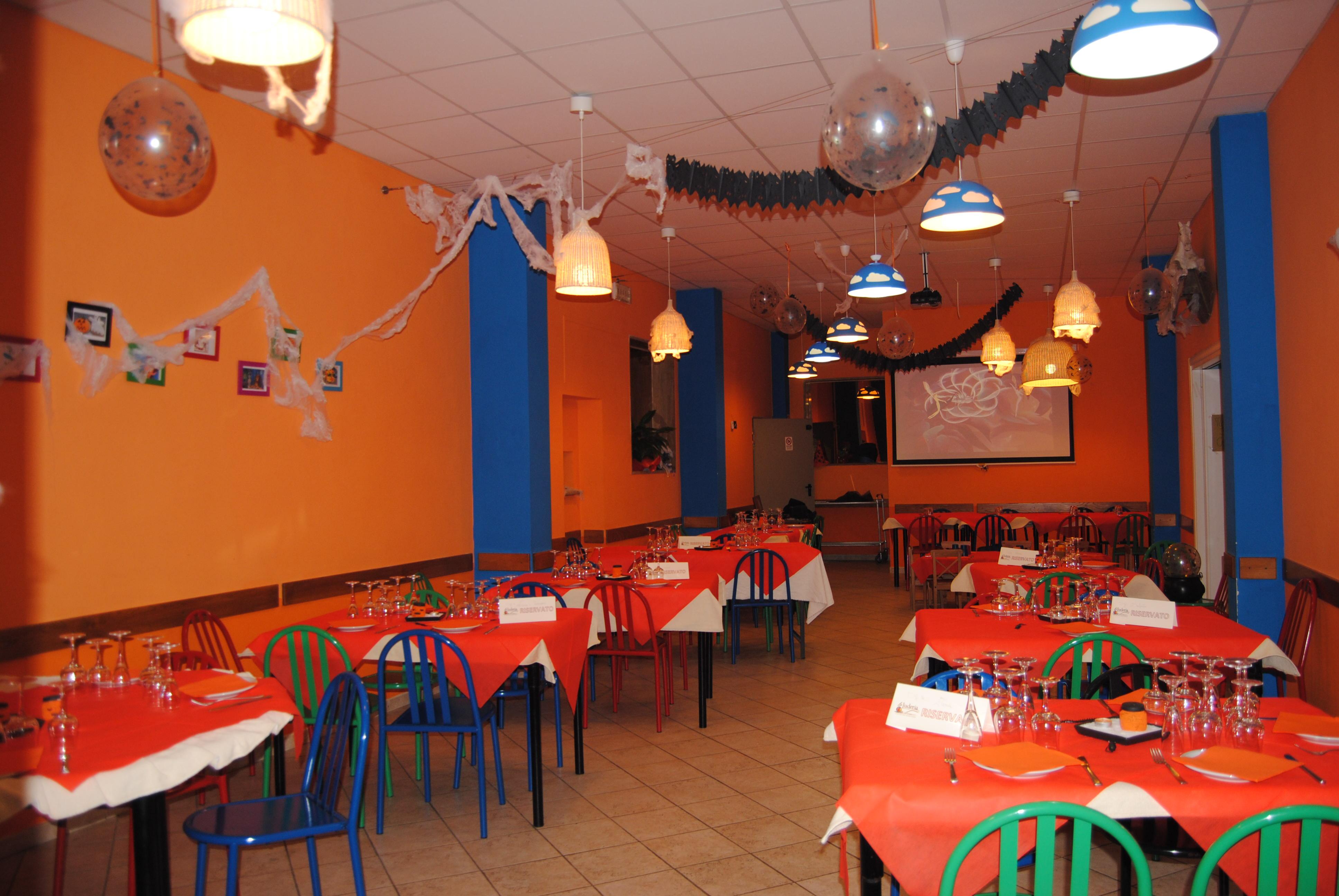 Fotogallery festoni e tanti colori al ristorante pizzeria la luderia siena news - Ristorante la finestra siena ...