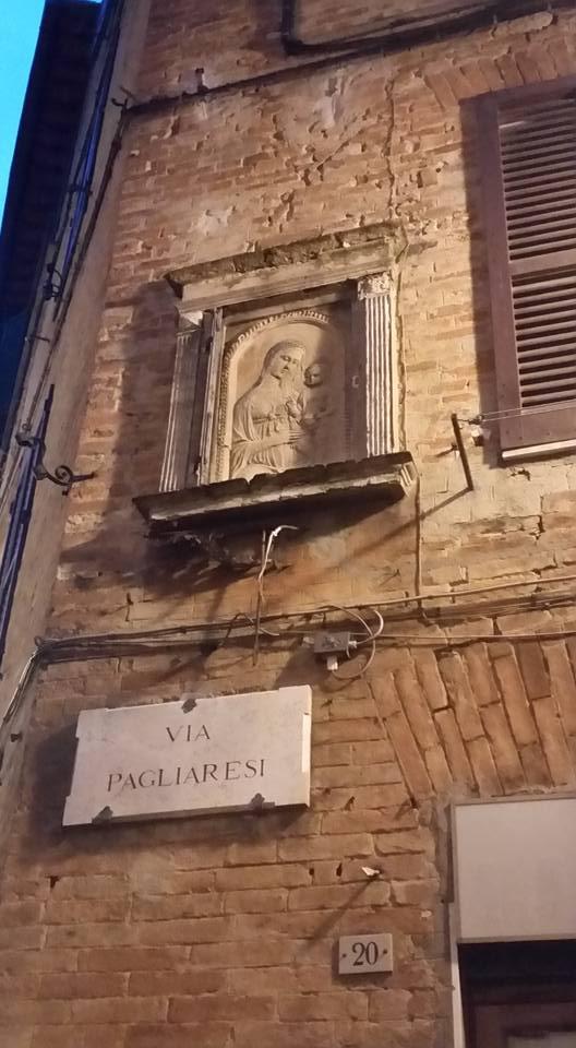 Via Pagliaresi O Cane E Gatto Due Nomi Per Una Strada Siena News