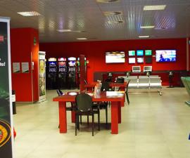Il gioco del Bingo e le slot machine hanno subito dei grossi cambiamenti con l'arrivo dell'online, arrivando a due risultati differenti nel gioco d'azzardo