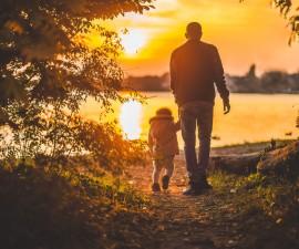 Famiglia tradizionale e moderna: pregi e difetti, peccati e virtù della prima società nella quale viviamo