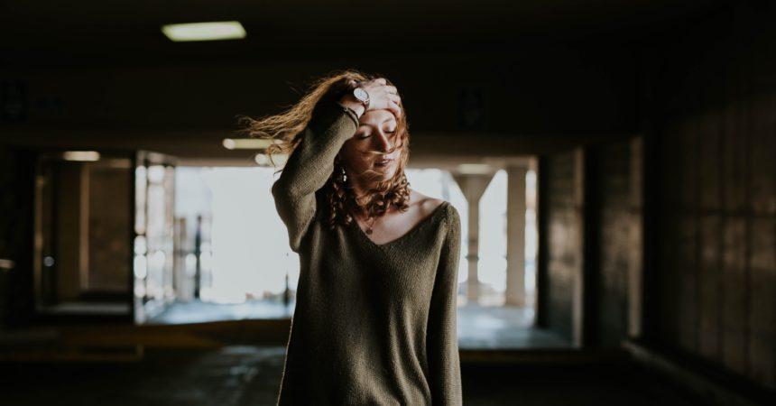 Debora Scalzo, Io resto così, Patti, Kimerik edizioni, 2017