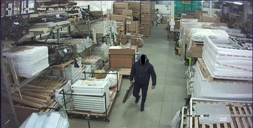 Vendevano on-line merce rubata da un magazzino: arrestato anche un salernitano
