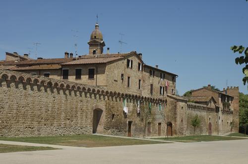 Buonconvento, dibattito sulla tassa di soggiorno - Siena News