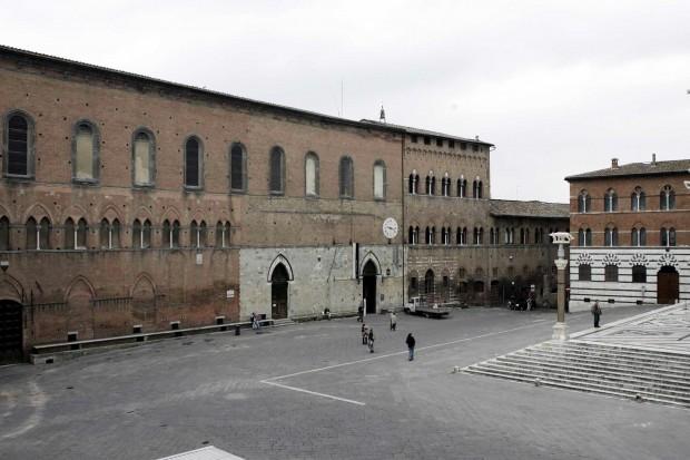 Il Santa Maria della Scala e le Mura