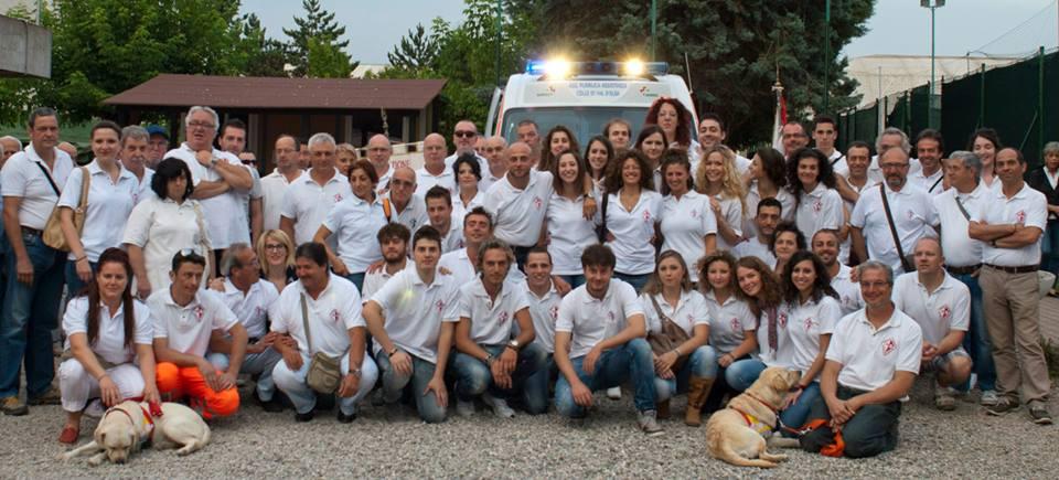 Il gruppo dei volontari della Pubblica Assistenza di Colle Val d'Elsa