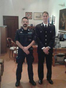 Lorenzo Bruttini (a destra) assieme al vice commissario Massimo Carollo