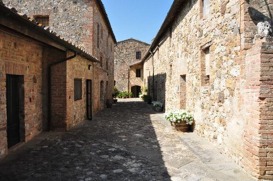 borgo-di-castell-in-villa