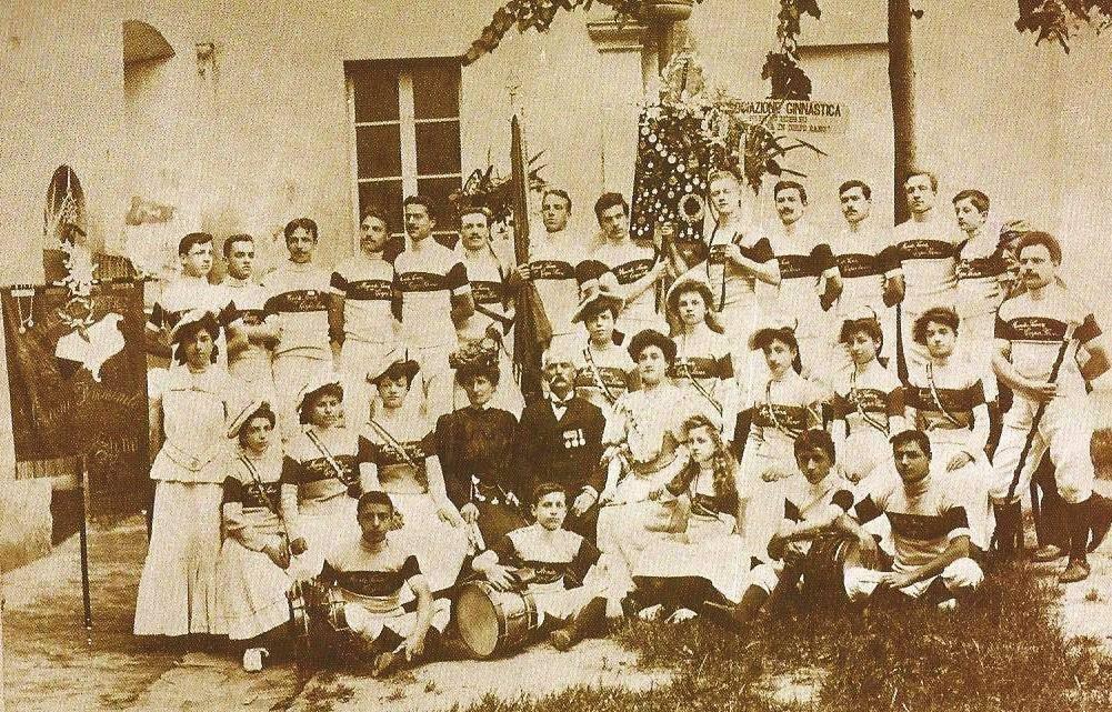 """Il 27 aprile 1907 Ida Nomi Venerosi Pesciolini presenta per la prima volta il gioco della """"palla al cerchio"""""""