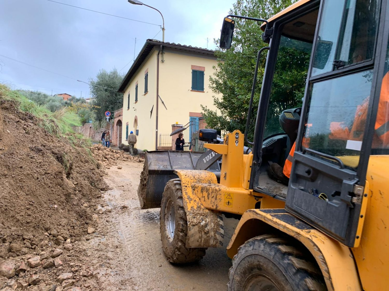 """Maltempo, in provincia chiusi strade e ponti. La prefettura: """"Limitate la circolazione"""""""" - Siena News - Siena News"""